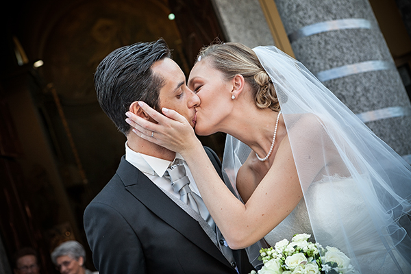 Wedding reception kissing game ideas ottawa wedding magazine one topic that the mc will share with the guests is how the bridegroom have decided how they will kiss traditionally clanging of the dishes is the junglespirit Image collections