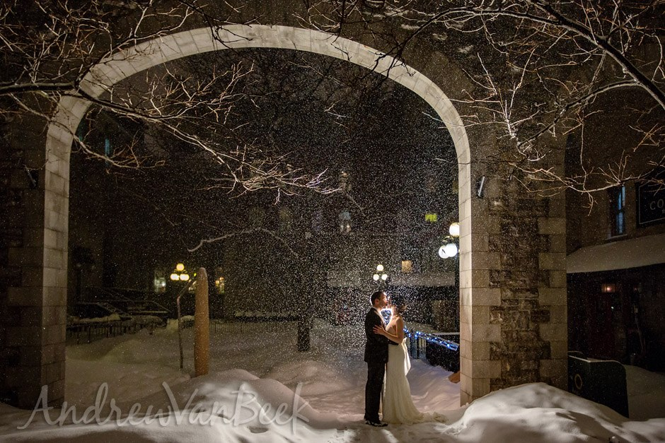 https://www.ottawaweddingmagazine.com/wp-content/uploads/2015/01/courtyard_winter_wedding_ottawa_13.jpg