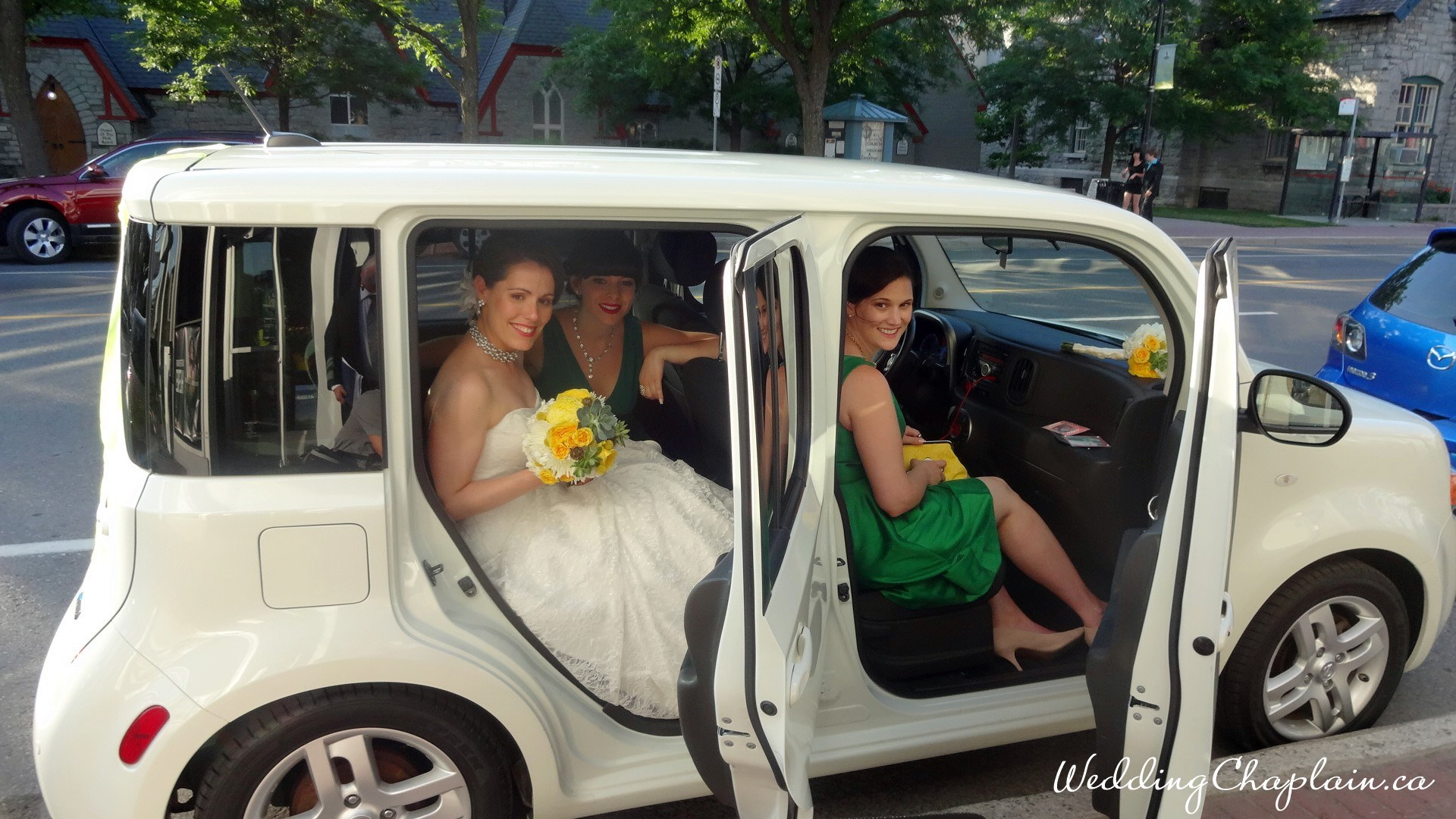https://www.ottawaweddingmagazine.com/wp-content/uploads/2015/01/cube-transport.jpg