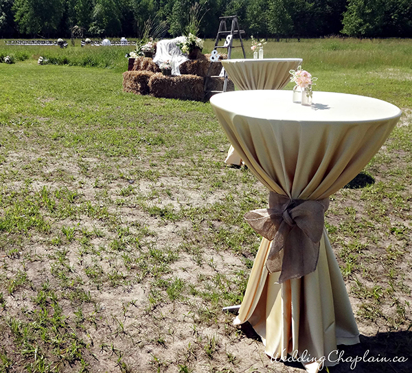 Country Chic Wedding Decor barn cocktail table