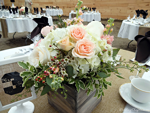 Country Chic Wedding Decor table