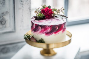 Your wedding cake can reflect your tastes.
