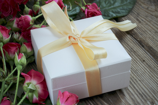 Wedding Gift Ideas Ottawa : Show You Care: Bridal Party GiftsOttawa Wedding Magazine