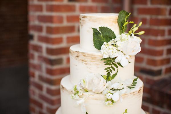 White Wedding Cake White flowers